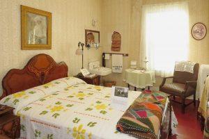 The Traveler's Hotel Room